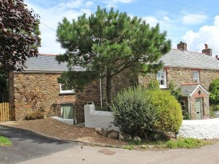 Mithian Cottage Studio: charming village nr. coast, St Agnes
