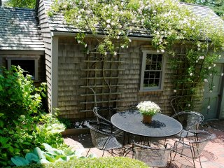 5 Bedroom 5 Bathroom Vacation Rental in Nantucket that sleeps 10 -(3636)