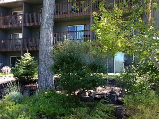 Stroll the River or downtown from this Condo- In the heart of Bend