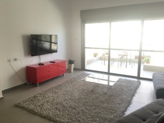 Cozy Central apartment at Kiryat HaLeom