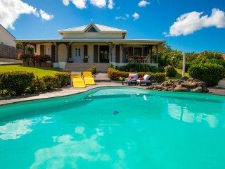 Villa de charme type F5 avec piscine et jardin, Le Diamant