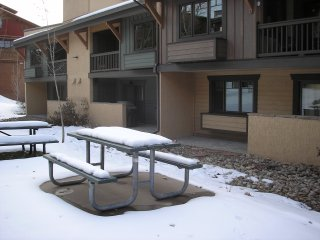 Walking Distance to Slopes and Other Amenities