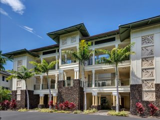 Steps to Beach Family Friendly Condo in Private Setting Lots of Grass to Play On