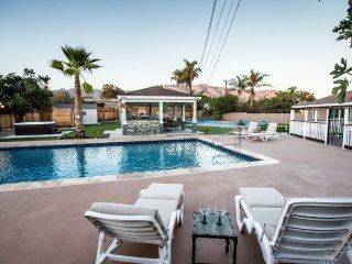 Outdoor Oasis w/ Pool, Sauna, Jacuzzi, Sport Court, Glendora