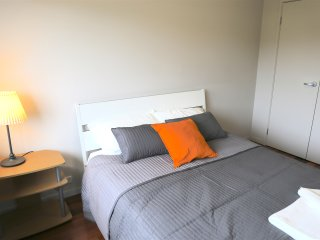 No.6 Bright Double Room With Shared Bathroom