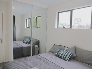 No.3 Popular King Bedroom With Shared Bathroom