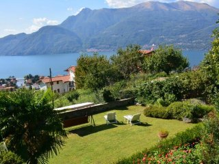 Casa Gibiseo with garden with wonderful lake view