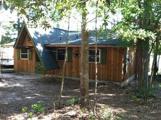 National Forest East TX Lake Ivanhoe Cedar Cabin +