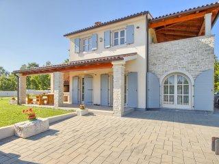 Villa Jula, Manjadvorci