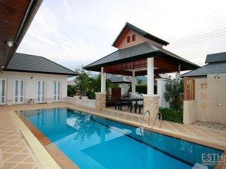 Bali Style Pool Villa in Hua Hin 6 Alley