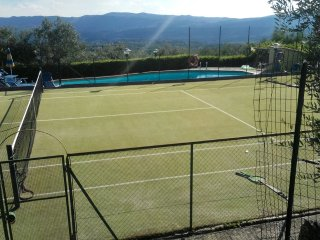 Charming villa with pool and tennis court, Pian di Sco