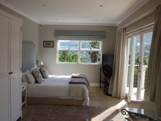 Beautiful mountain-side apartment, Hout Bay