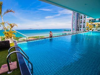 View Cosy Beach One Bedroom Partial Seaview, Pattaya