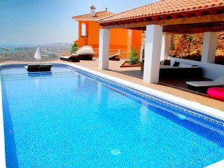 "Villa ""Rincon del Mar"" with panoramic beach view"