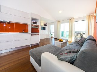 Queen Beach Resort Apartment - A3, Nin