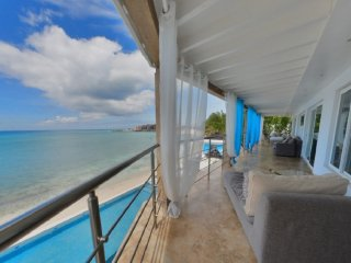 3 Bedrooms 3 Bathroom Oceanfront Villa-Great Views, Simpson Bay