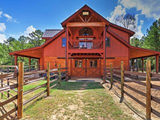 2BR Dry Branch Barn Apartment on 488 Acres!