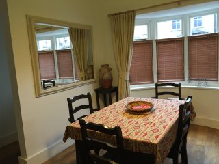 Spacious 2 bedroom Brentford Cottage
