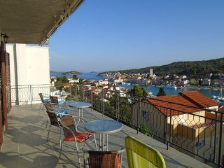 Amazing Seaview Apartment Tisno For 6 TP53A1