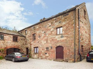 BARLEY COTTAGE  spacious accommodation, woodburner, en-suite, garden, Appleby-in