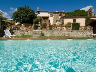 Villa Uccellaia with private swimming pool, Agello