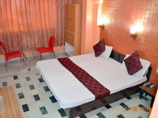 Deluxe Double Bed AC Room in Mystique Moments B&B