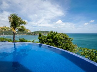 Villa Noche, 5 star home with spectacular ocean vi