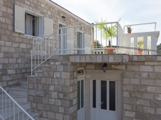 GH Ivica - Two-Bedroom Apartment with Terrace