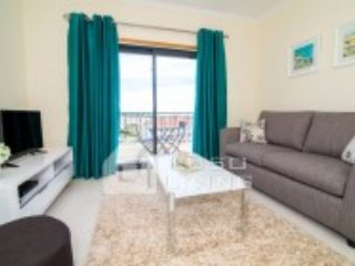 One bed apartment 800meters from the beach w/ wifi