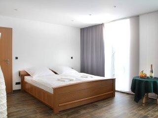 Modernes Gäste-/Fremdenzimmer in Köln/Burscheid