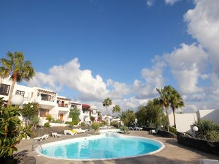 Apartment Chris next to the beach with pool in heart of Puerto del Carmen