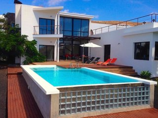 Luxury Villa El Erizo with private pool in Nazaret