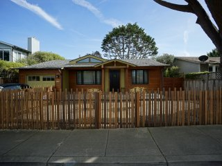 Short Term Furnished Modern Stylish Beach Retreat, Moss Beach
