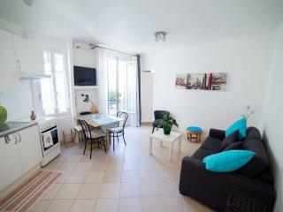Chez Marina, Montmartre