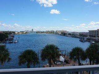 Dockside 405 Beautiful Water Views, Clearwater
