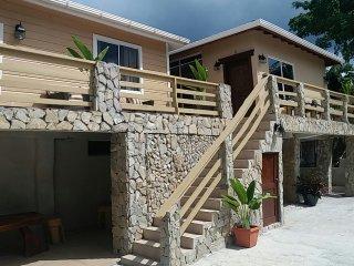 Rock Point Vacation Villas ( Calm ), Sandy Bay