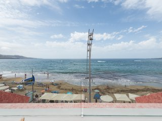 EXCLUSIVE open terrace on beach & 2 bedrooms