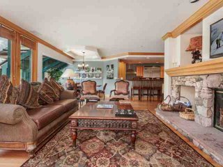Beaver Creek Lodge Condo, Year Round Pool & Hot Tub, Steps to Village