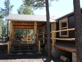 Unique Cabin In The Woods! Brand New in Pinetop!