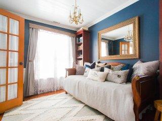 Luxury Boutique Cottage | Hot Tub*Wifi * Fireplace, Park City