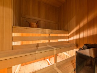 2 bedroom apartment for 6 with sauna, Tallin