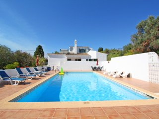 Villa with private pool walking distance to the amenities/beach/town center
