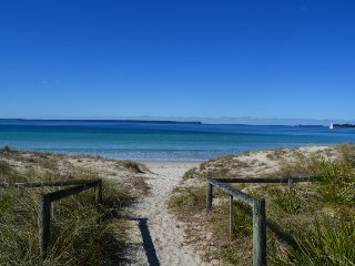 Claudis unit 1 by Jervis Bay Beach Houses, Vincentia