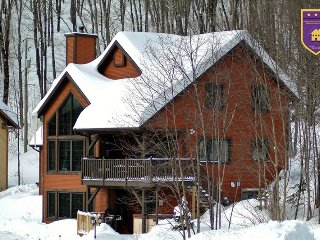 BEAUTIFUL CHALET, 2 bedroom,2 bath,spa