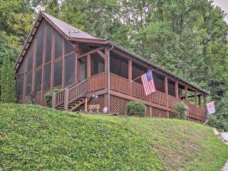 'B&D's Honeypot' 1BR+Loft Sevierville Cabin