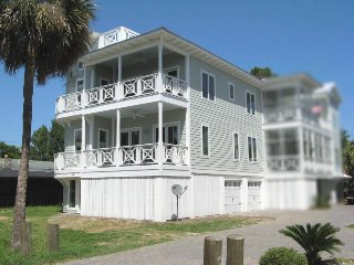 #1506-A 5th Avenue - Modern and Spacious - FREE Wi-Fi, Isla de Tybee