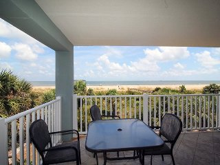 Fort Screven Villas - Unit 201 - Spectacular Views of the Atlantic Ocean - FREE Wi-Fi, Isla de Tybee