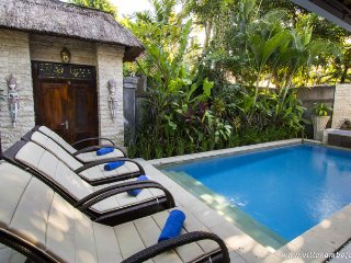 2 bdr Villa, own pool steep 66 street