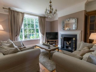 3 Bedrooms - Elegant City Living, York