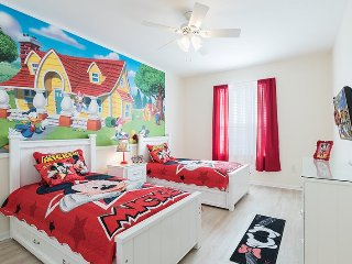 Fantasmic | Top Floor Condo, Located in Bldg 6 with New Flooring, & Fun Mickey Mouse Themed Bedroom, Four Corners